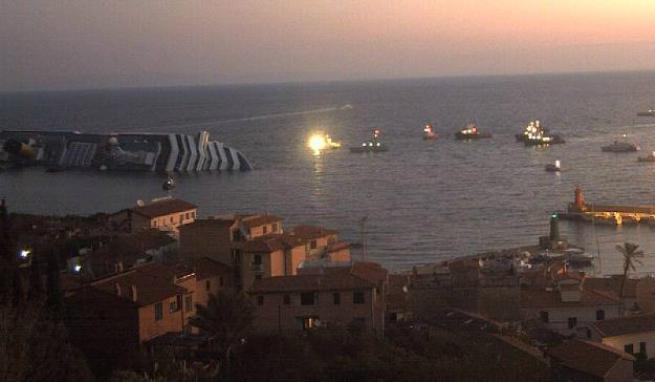 Катастрофа лайнера Коста Конкордия (Costa Concordia): фото